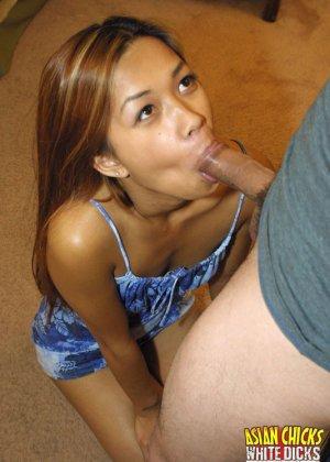 Азиатка посмотрела порно и захотела потрахаться - фото 5