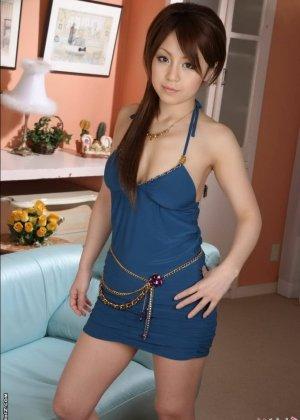 Голая красотка азиатка - фото 1