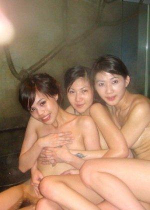 Голые азиатки в бане - фото 2