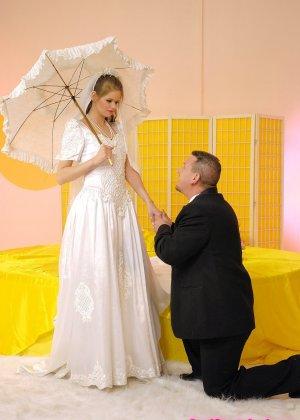 Анал с невестой - фото 1