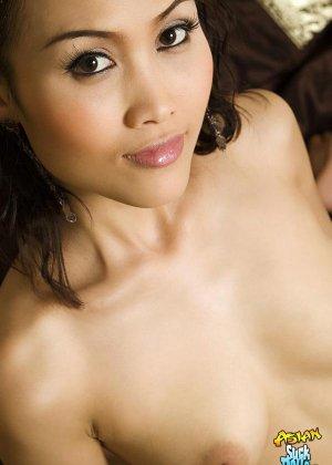 Азиатка с красивым голым телом - фото 7