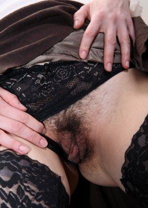 Секретарша показывает умение мастурбировать при трудоустройстве - фото 4