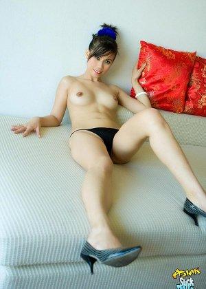 Красивая киска азиатки - фото 8