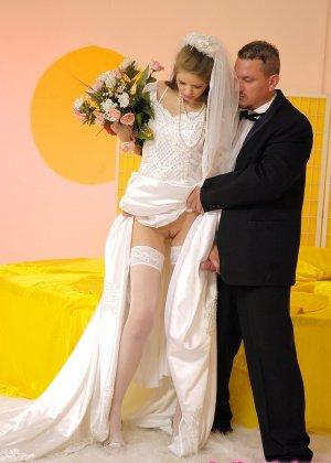 Анал с невестой - фото 4