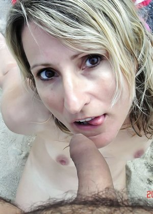 Оральный секс на пляже - фото 4