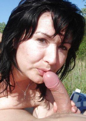 Оральный секс на пляже - фото 12