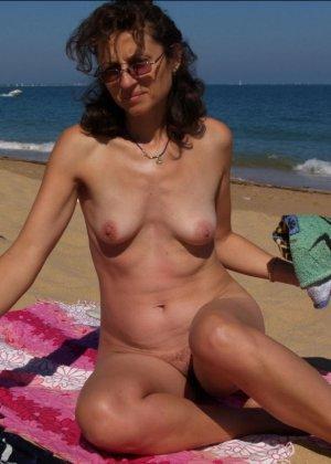 Голые бабы на пляже - фото 10