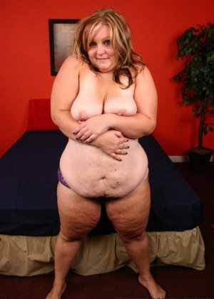 Толстая дама ебется с негром - фото 17