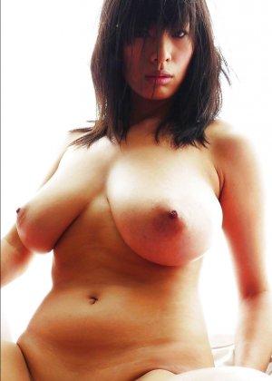 Грудастые голые азиатки - фото 13