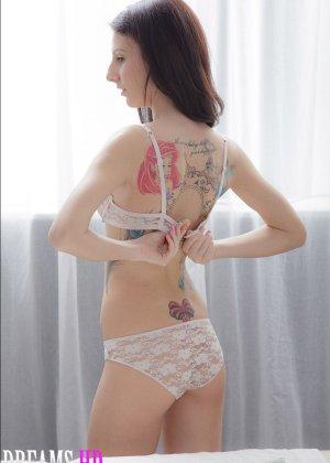 Секс со стройной девушкой на массаже - фото 1