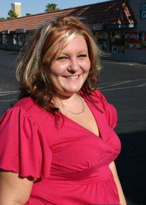 Толстая дама ебется с негром - фото 1