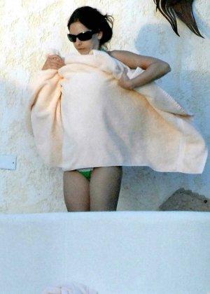 Sarah Michelle Gellar - Галерея 2973218 - фото 3