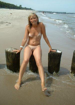 Голые бабы на пляже - фото 8
