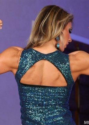 Блондинка культуристка показала мышцы и пизду - фото 4
