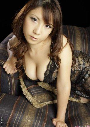 Странный секс с азиаткой в чулках - фото 6