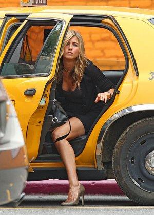 Jeninifer Aniston - Галерея 2478924 - фото 10