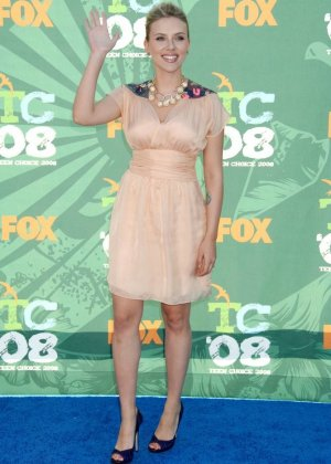 Scarlett Johansson - Галерея 2973983 - фото 9