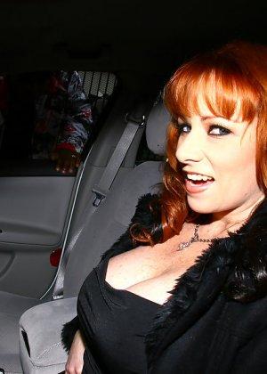 Негр здоровым хуем отъебал рыжую женщину - фото 2