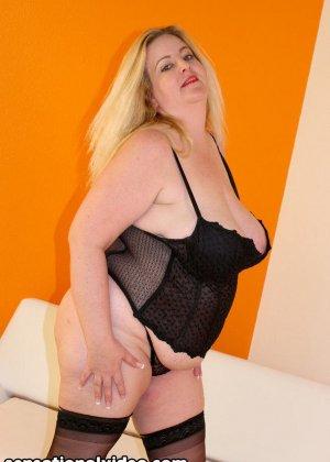 Парень выебал толстую женщину в чулках - фото 4