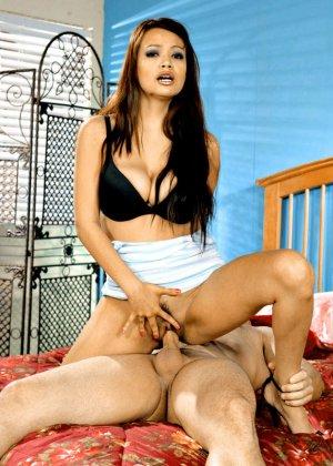 Секс со зрелой азиаткой с большими сиськами - фото 5