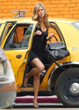Jeninifer Aniston - Галерея 2478924 - фото 11