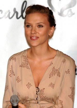 Scarlett Johansson - Галерея 2973983 - фото 6