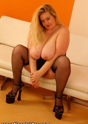 Парень выебал толстую женщину в чулках - фото 8