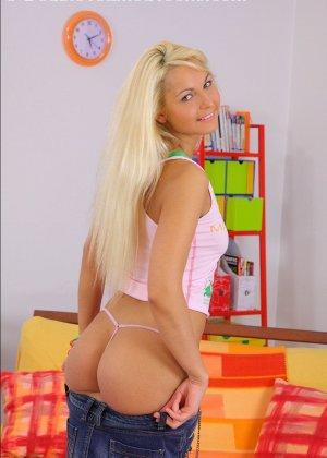 Выебали русскую блондинку во все дырки - фото 1