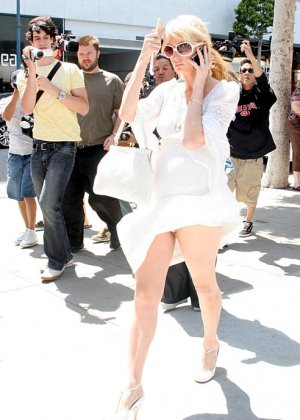 Paris Hilton - Галерея 2489155 - фото 1