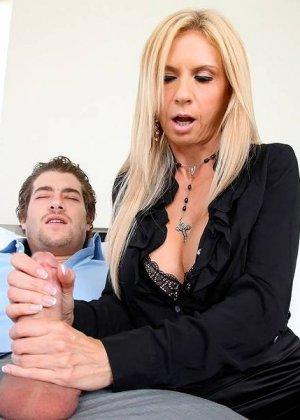 Секс со зрелой сисястой Брук Тейлор - фото 5