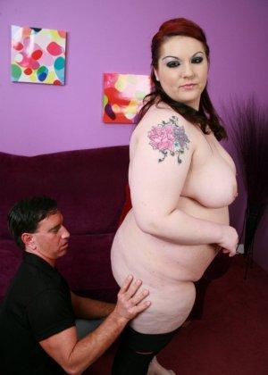Секс с рыжей толстушкой - фото 4