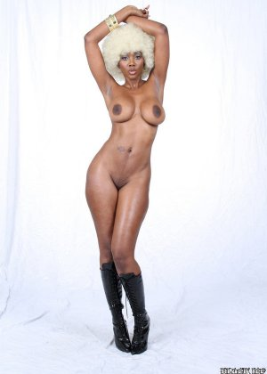 Nyomi Banxxx - Галерея 2948403 - фото 7