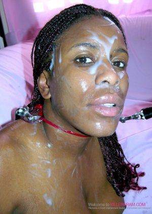 Лесбийский секс втроем негритянок - фото 10