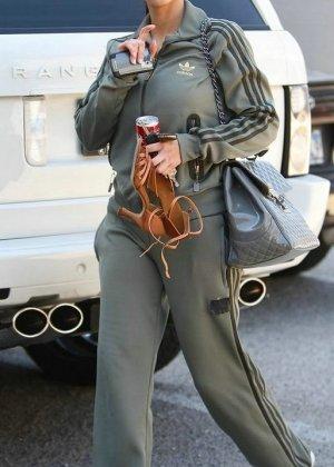 Kim Kardashian - Галерея 2888416 - фото 1