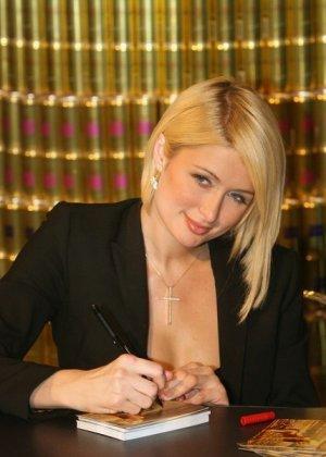 Paris Hilton - Галерея 2927239 - фото 14