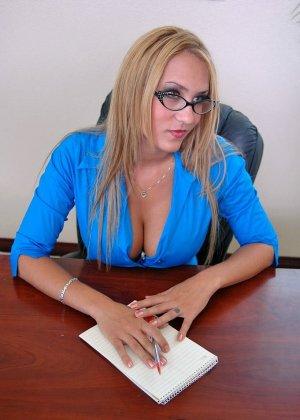 Секс с начальницей при устройстве на работе - фото 1