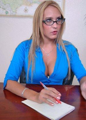 Секс с начальницей при устройстве на работе - фото 2