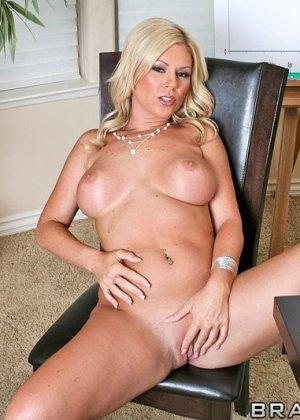 Секс чтобы получить работу - фото 3