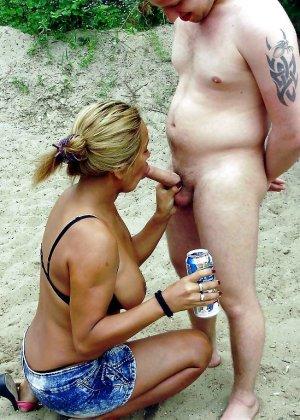 Ебля нудистов на пляже - фото 13