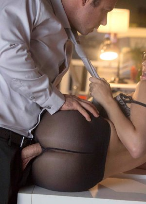 Не случайный секс на работе - фото 11