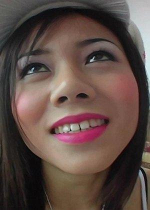 Трахнул молодую азиатку в рот - фото 4