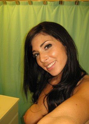 Любительская фото сессия сногсшибательной латиноамериканской девушки - фото 62