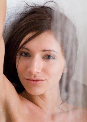 Эротика от сногсшибательной грудастой девушки в теплой ванной - фото 19