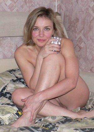 Зрелая женщина обладает достаточной сексуальностью, поэтому старается показать себя во всей красе - фото 13