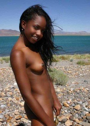 Приватные фото симпатичных, обнаженных негритянок - фото 41