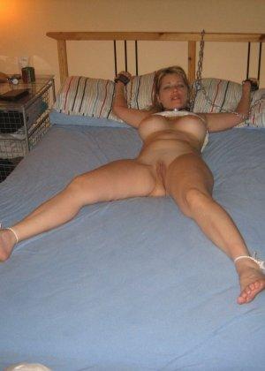 Любительский разврат с молоденькими обнаженными сучками - фото 71