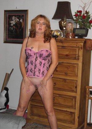 Зрелые дамочки любят развлечься, ведь им только и остаётся получать удовольствие от секса - фото 28