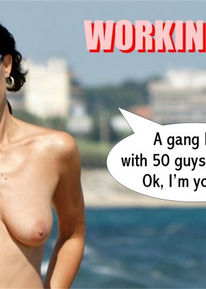 Раскованная девушка гуляет по пляжу абсолютно обнаженная - фото 9