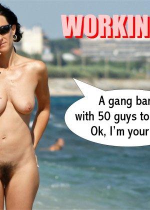 Раскованная девушка гуляет по пляжу абсолютно обнаженная - фото 8