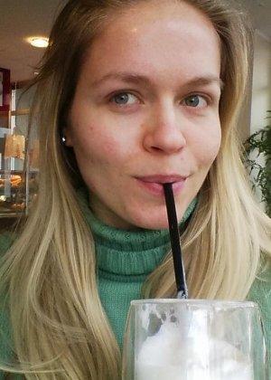 Горячая немецкая штучка очень соблазнительна в красивом белье и без него - она не знает стеснения - фото 16